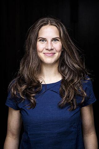 Porträt der Schauspielerin Claudia Friebel.